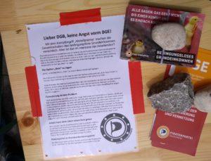 Unser Flyer mit der Antwort auf den DGB neben anderem Material zum BGE an unserem Stand