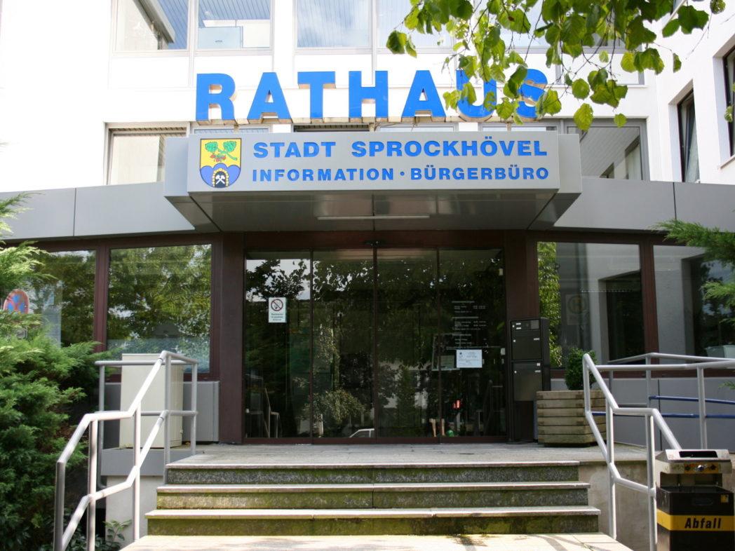 Eingang des Rathauses der Stadt Sprockhövel