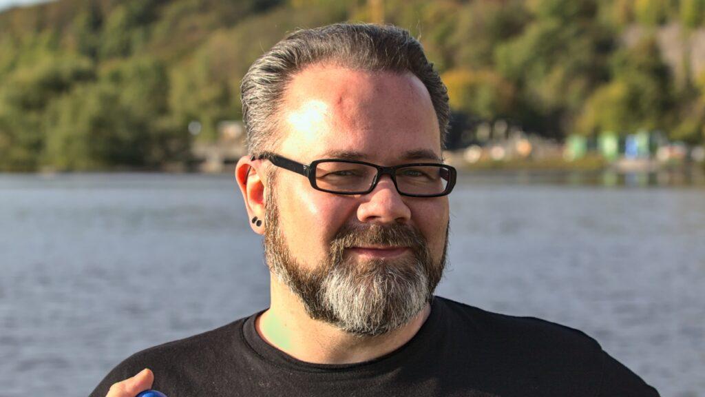 Stefan Borggraefe an der Ruhr bei Witten